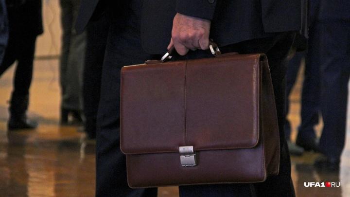 Вымогают взятку? В МВД Башкирии рассказали, куда жаловаться на коррупционеров
