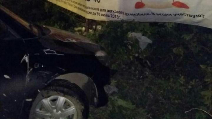 В Тобольске девушка угнала у подруги машину, поехала кататься по ночному городу и угодила в ДТП