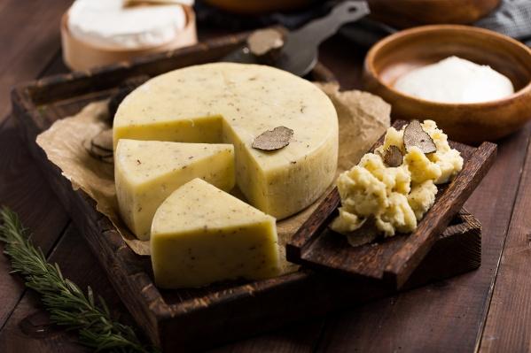 Натуральные сырытеперь есть в ассортименте продуктов, прошедших сертификацию «Енисейского стандарта»