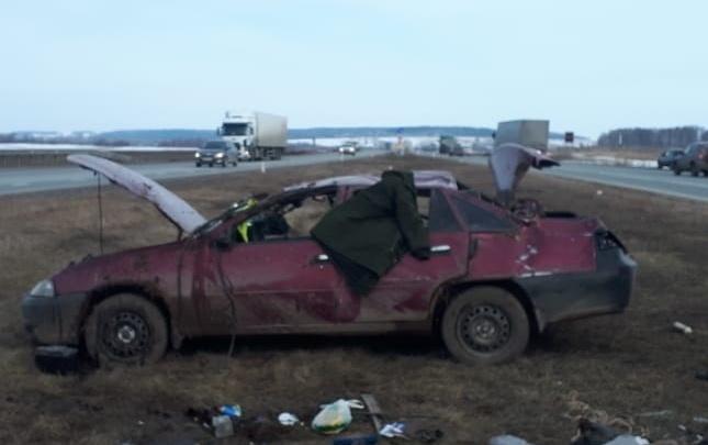 Лишенник с прошлого года: в Башкирии водитель Daewoo опрокинул машину в кювет