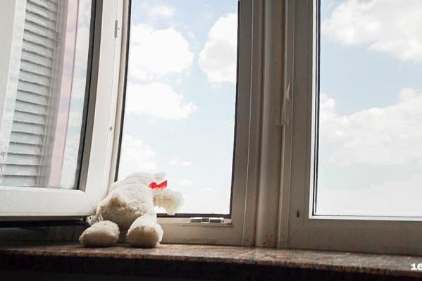 В ведомстве не уточнили, был ли ребенок дома один