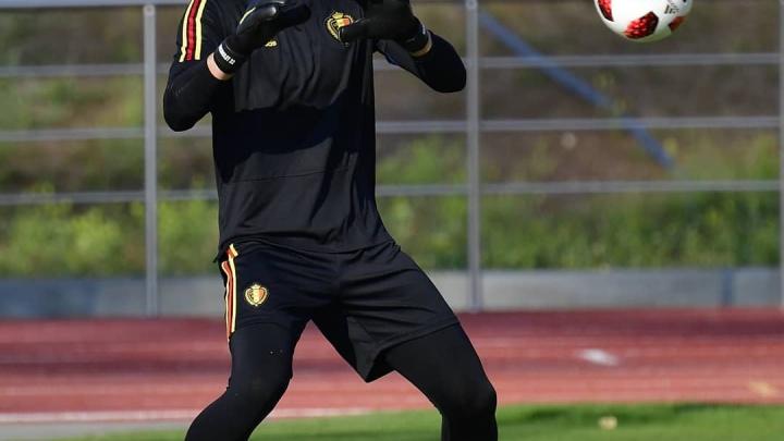 Голкипер сборной Бельгии ищет болельщика с «Ростов Арены», чтобы подарить ему футболку
