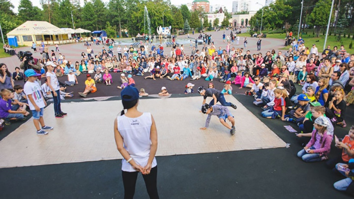 Яркое лето для ребенка — легко: незабываемые каникулы подарит лагерь Brooklyn