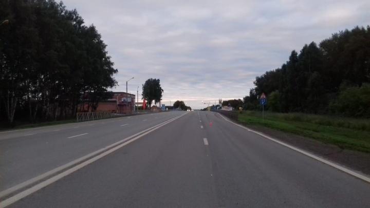«Хонда» насмерть сбила молодого мужчину на трассе под Новосибирском