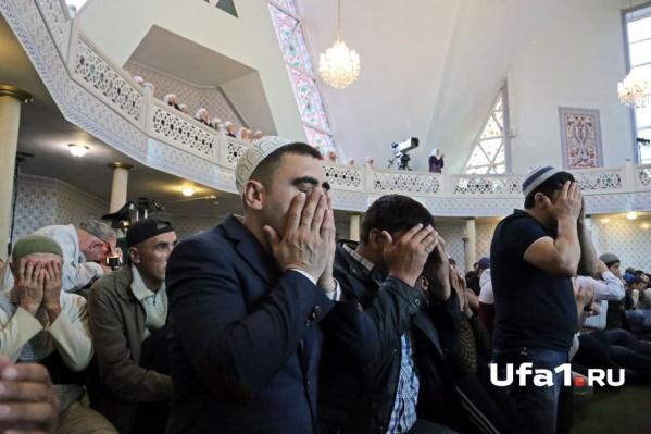 За пропущенный месяц поста верующие должны выплатить 5400 рублей