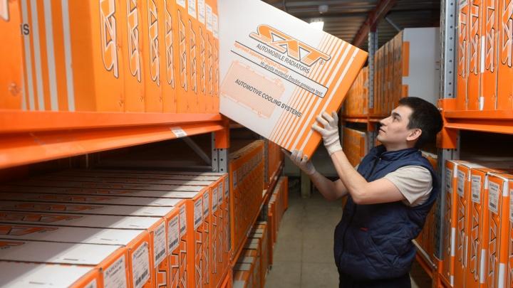 «Мы знаем, что нужно людям»: репортаж со склада-гиганта, который обещает «завалить» Урал запчастями