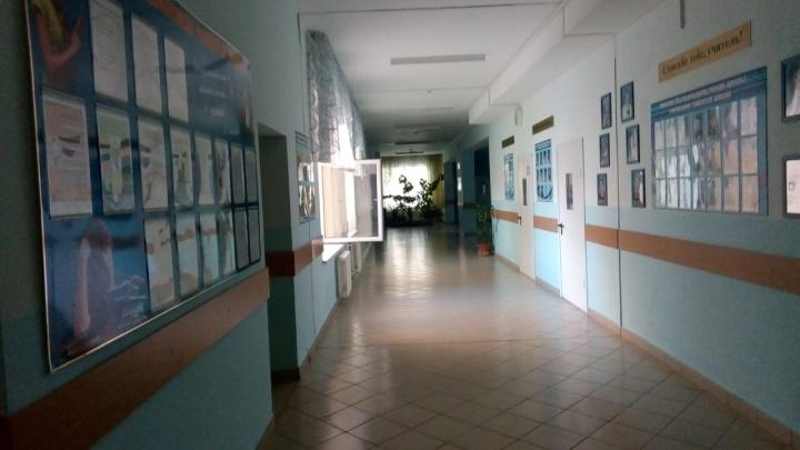 В уфимской школе распылили газовый баллончик: детей увезли на скорой