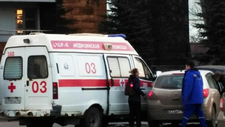 Во время рейда ГИБДД и медиков иномарка влетела в карету скорой помощи
