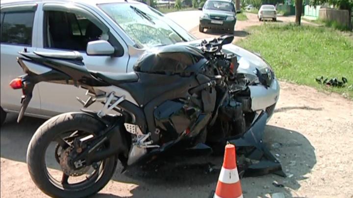 Доставленный санавиацией в Красноярск мотоциклист скончался в больнице