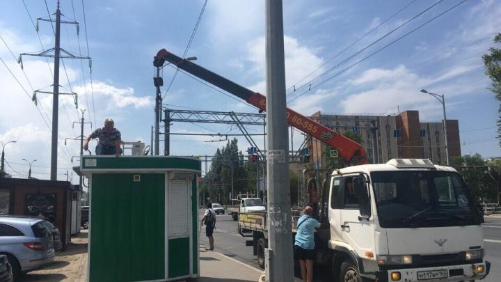 Самарцы пожаловались на возвращение киосков к ТЦ «Русь»