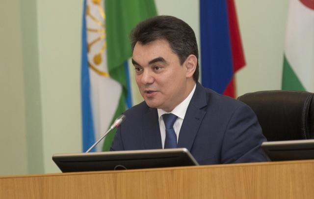 Ирек Ялалов поздравил уфимок с 8 Марта