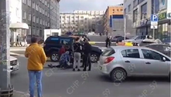 В Перми 23-летний водитель KIA Rio сбил девушку на улице Екатерининской