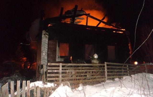 Ночью 11 января в Архангельске горели два деревянных дома