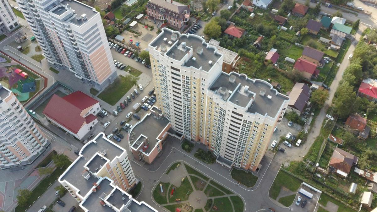 Дом на Уральских Рабочих: вид сверху