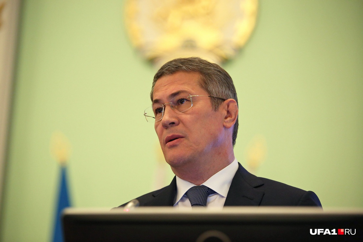 Радия Хабирова назначили врио главы республики 11 октября