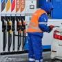 То плюс 70 копеек, то минус полрубля: на челябинских заправках началась чехарда с ценами на бензин