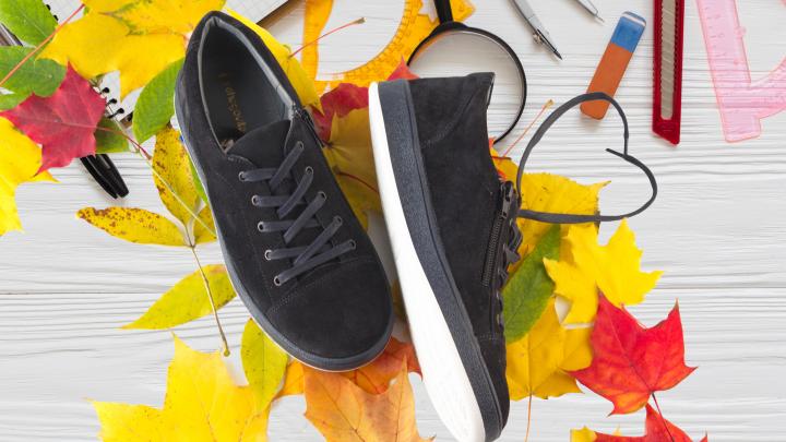 Белорусская фабрика выпустила новую коллекцию обуви для школьников перед 1 сентября