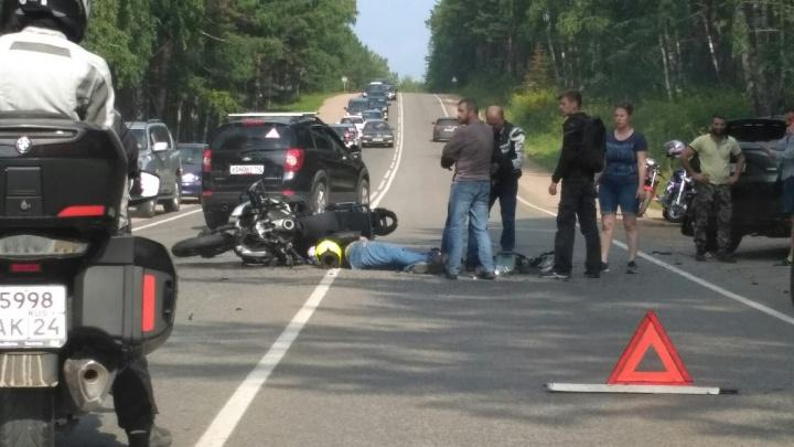 Мотоциклиста сбили на Свердловской во время обгона