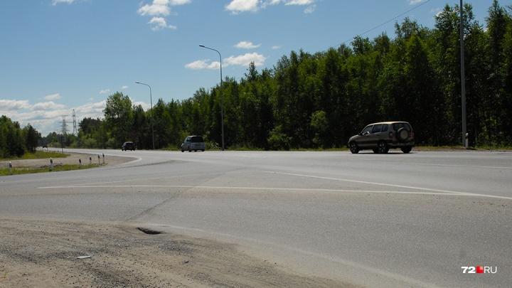 Из-за сильной жары в Тюмени и области грузовикам запретили ездить по трассам. Почему?