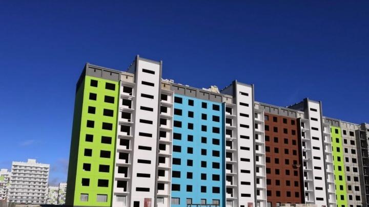 Крупный застройщик строит новые дома не по графику