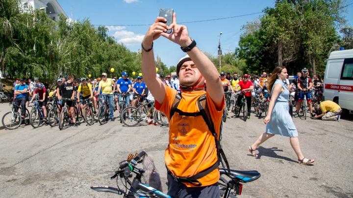 Без билета: волгоградцы бесплатно покатают велосипеды в автобусах и трамваях