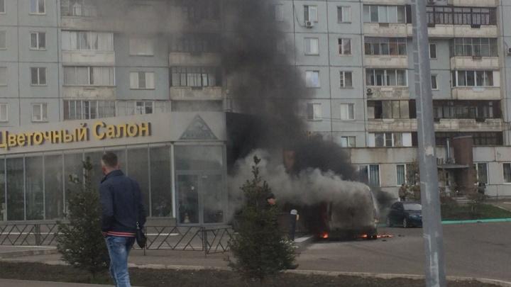 На Копылова во время движения вспыхнула «Газель»