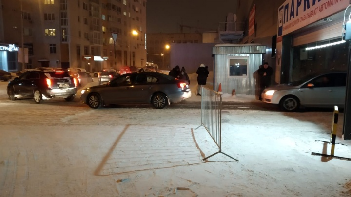 Из ТРЦ «Алатырь» эвакуировали 500 человек из-за пожара на паркинге