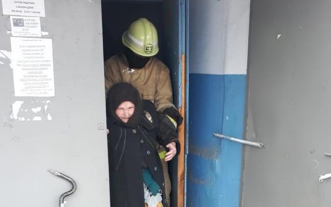 Башкирские спасатели показали, как тушат пожар в доме — видео