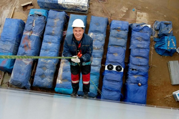 Владимир работал монтажникомна стройплощадке комплекса АКМ