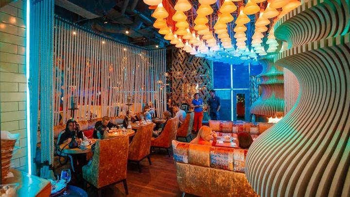 Сделали тысячу тарелок борща, накормили миллион гостей: чем гордится топ-10 ресторанов Екатеринбурга