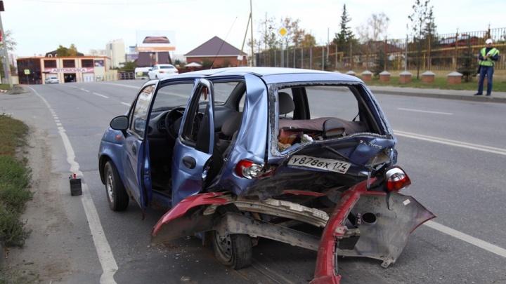 Пострадала челябинка с ребёнком: на дороге в Тополинку Toyota снесла Matiz