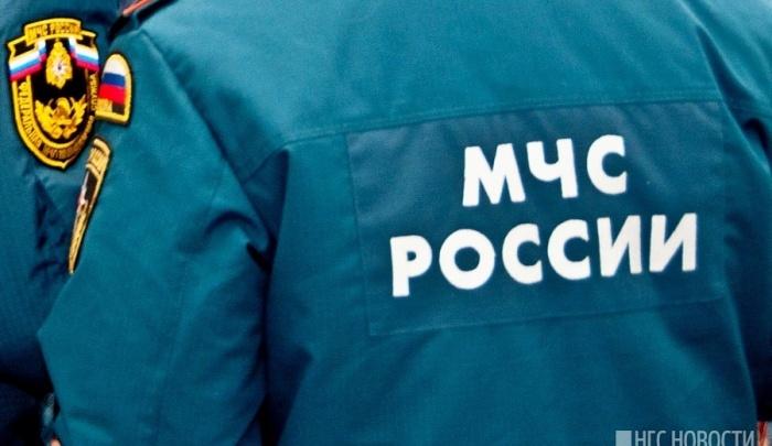 Компания отдыхающих перевернулась на лодке под Красноярском