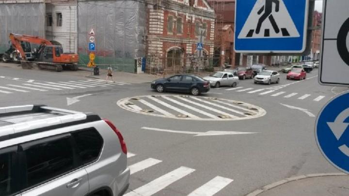 На перекрестке в центре Перми установят мини-кольцо и сделают круговое движение