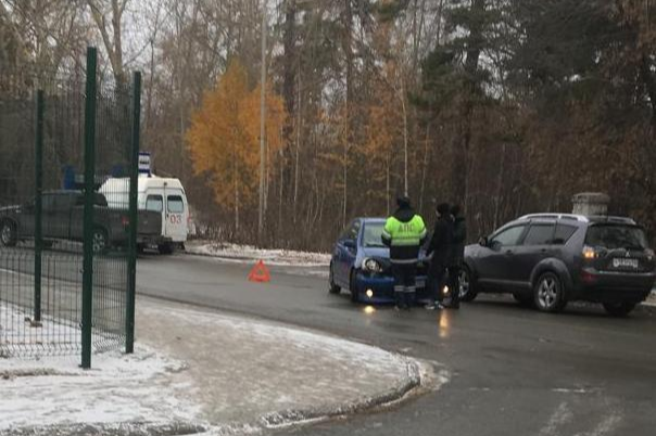 Пострадавшую в ДТП на улице Аксёнова 8-летнюю школьницу увезли в реанимацию