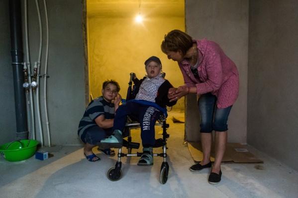 Ирина Скрипникова больше трёх лет пыталась выбить положенную по закону квартиру, а в итоге получила жильё без минимальных удобств