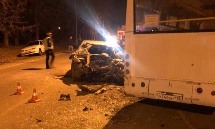 Страшное ДТП произошло вечером, когда автобус был полон пассажиров