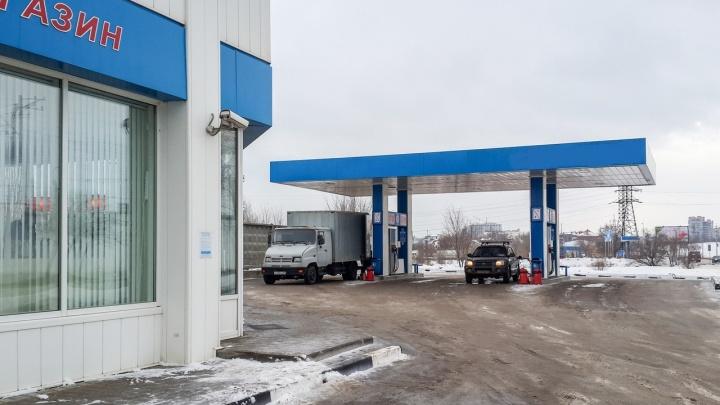 В Волгоградской области подорожали на 4,6% легковушки и на 12% — дизельное топливо
