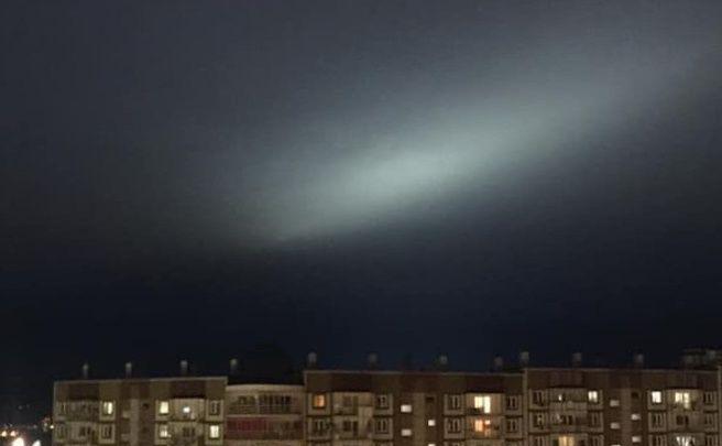 Белое свечение заметили красноярцы в ночном небе