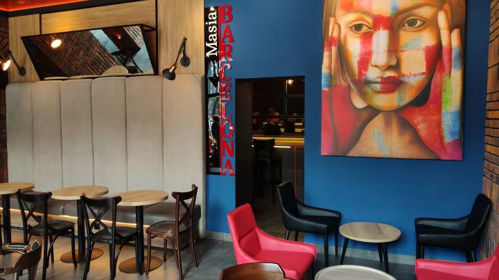 На месте столовой на Мира испанец открыл колоритное кафе с чуррос, шоколадом и кофе