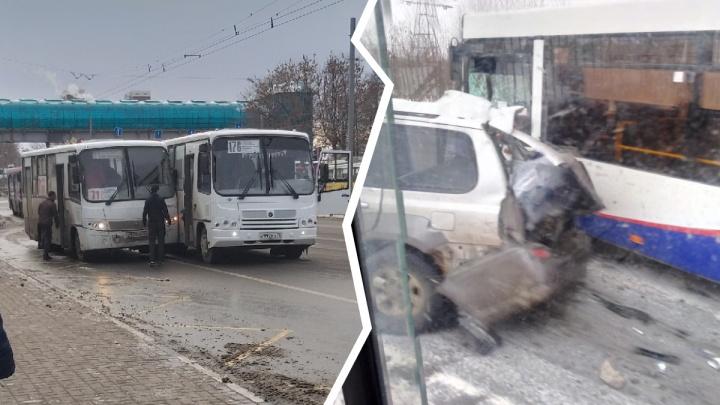 В авариях бьются автобусы, трамвай, КАМАЗ: день жёстких ДТП в Ярославле. Хроника
