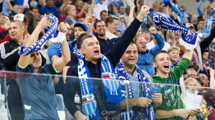 Волгоградский «Ротор» поедет на поезде с фанатами на матч с «Армавиром»