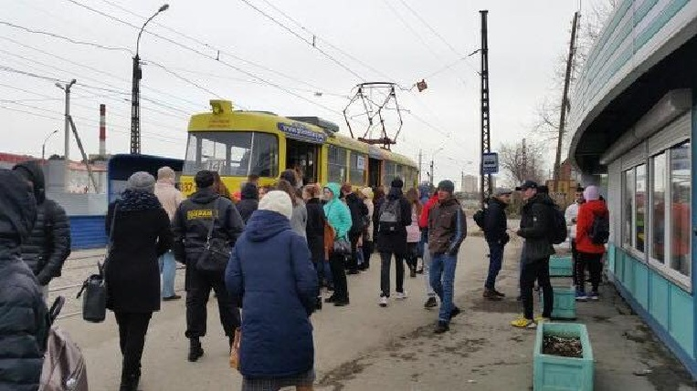 Во время репетиций многие пересаживаются на трамваи