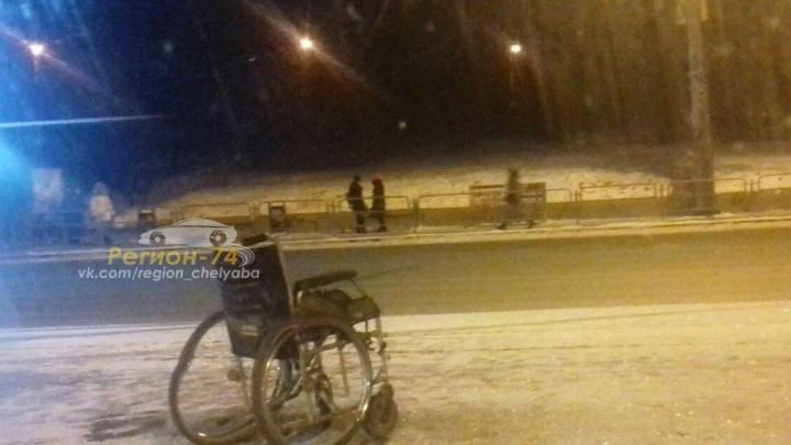 Инвалид-колясочник, попавший под машину возле челябинского ТРК «Родник», погиб