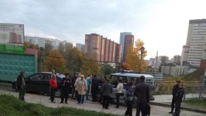 Жители Танковой вызвали полицию из-за шумной стройки под окнами