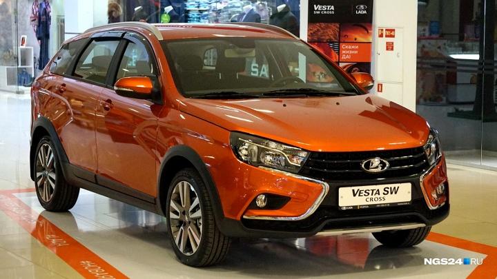 «Почти как иномарка»: пять мнений красноярцев, которые первыми увидели новую машину «АвтоВАЗа»