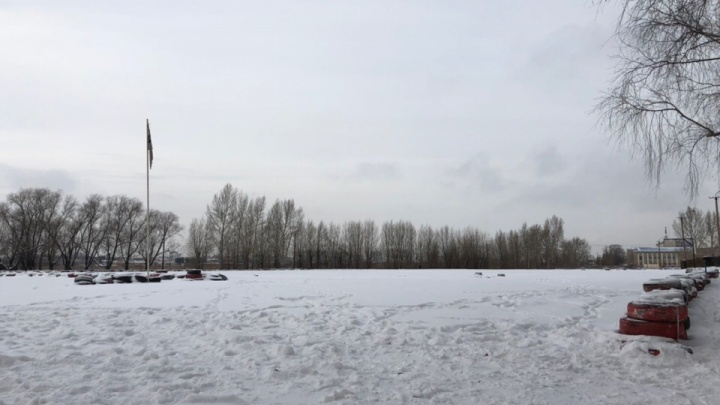 Развлекательный центр сгостиницей vs картодром: как земли у ДОСААФа рассорили бизнес со спортом