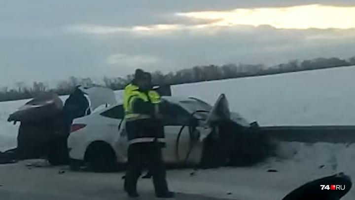 «Семья в больнице»: в Челябинской области в лобовом ДТП погибли четыре человека