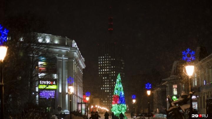 Из-за огней на новогодней ёлке перекроют часть улицы Поморской