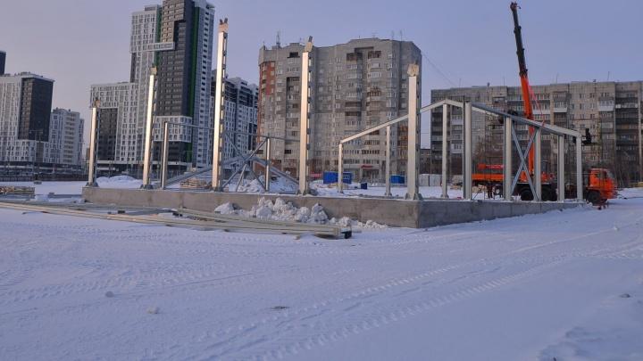 Напротив Центрального стадиона начали строить центр билетирования к ЧМ-2018