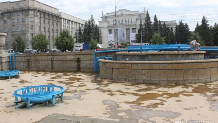 «Нырять в бетон не надо»: из-за дня ВДВ в Новосибирске отключили фонтаны